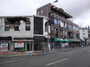 Victoria Street in Christchurch, New Zealand, after the 2011 earthquake.  Photo Tom Schwede, Wikimedia Commons.